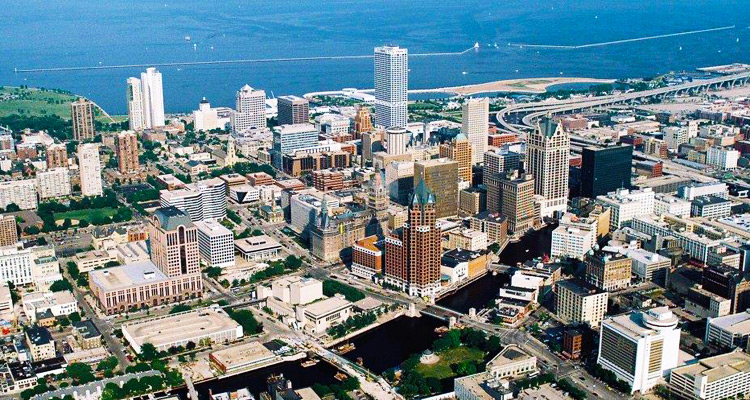 Milwaukee_Downtown_750x400